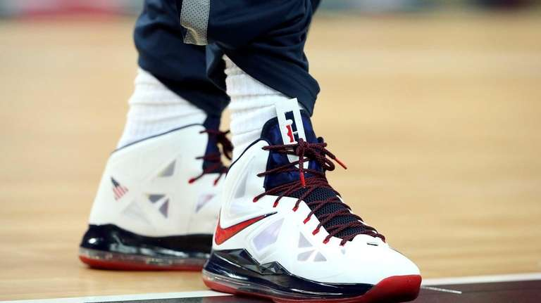 nike gym shoes the new lebron james sneakers