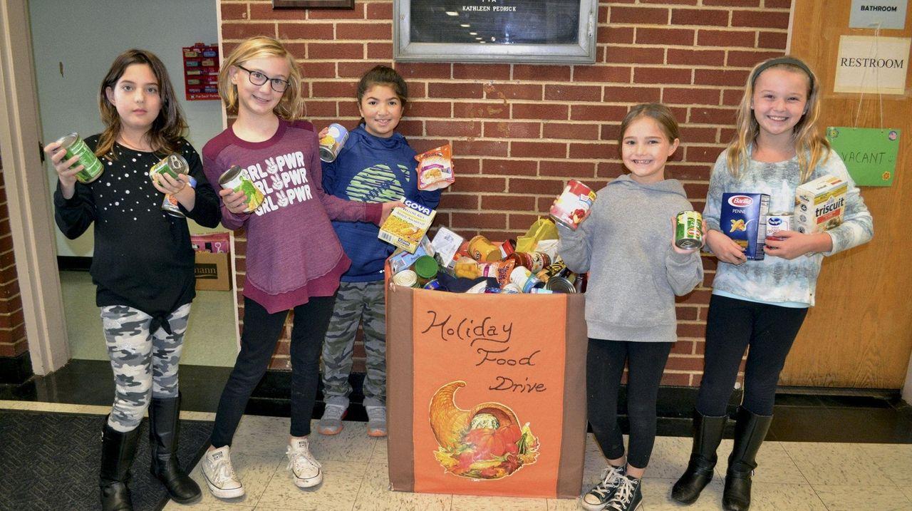 LI students feed families in need