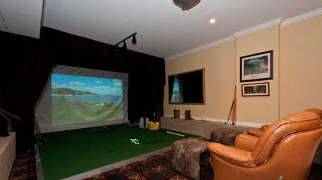 This golf simulator and home theater comes with