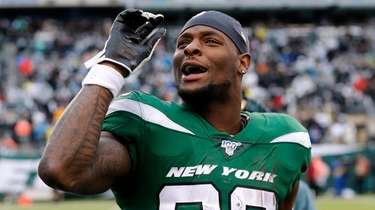 Le'Veon Bell of the Jets reacts on the