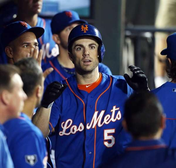 David Wright celebrates his fourth-inning home run against