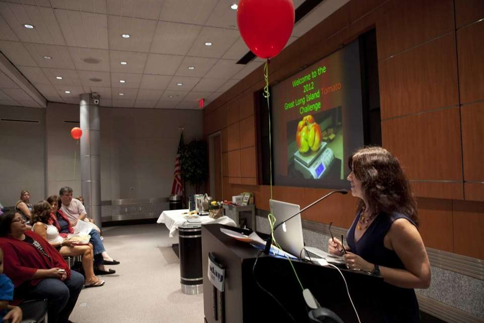 Newsday's Garden Detective columnist, Jessica Damiano, welcomes participants
