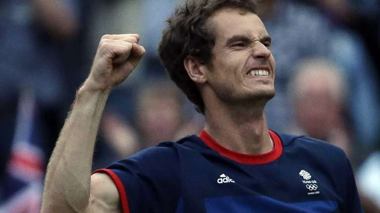 Andy Murray of Great Britain celebrates after defeating