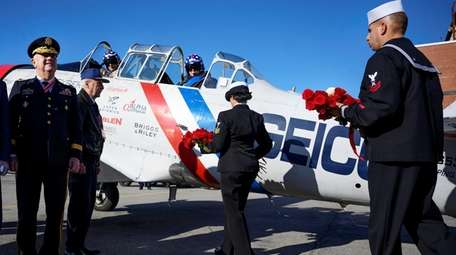 The Long Island Air Force Association presents roses