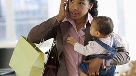 A study says mothers with full-time jobs spend