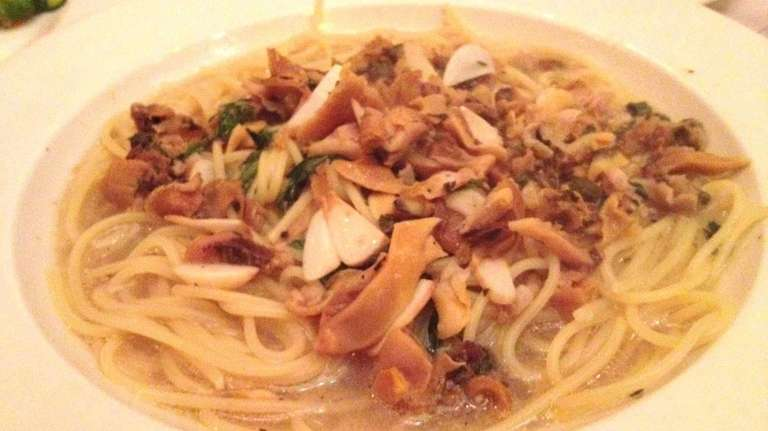 Spaghetti and clam sauce at Bravo! Nader in
