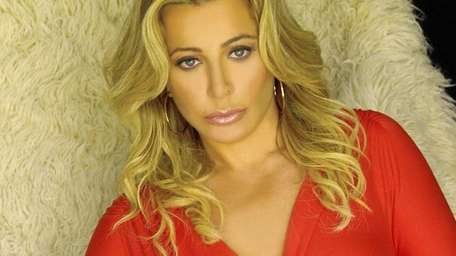 Taylor Dayne plays the Patchogue Theatre for the