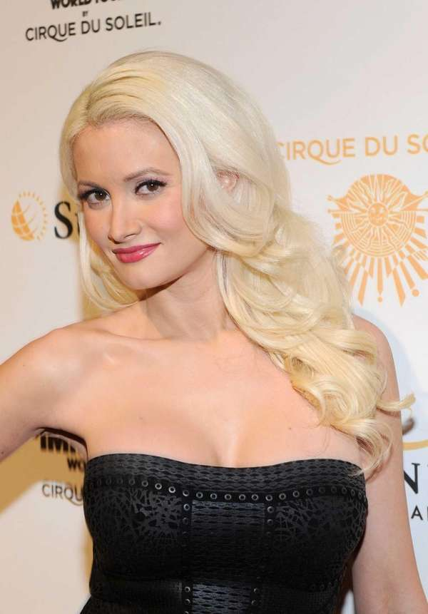 Holly Madison arrives at the Las Vegas premiere