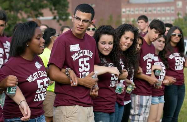 Students from the incoming freshman class at Molloy
