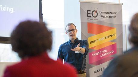 NYU graduate student Asher Varon, founder of QuikReversal,