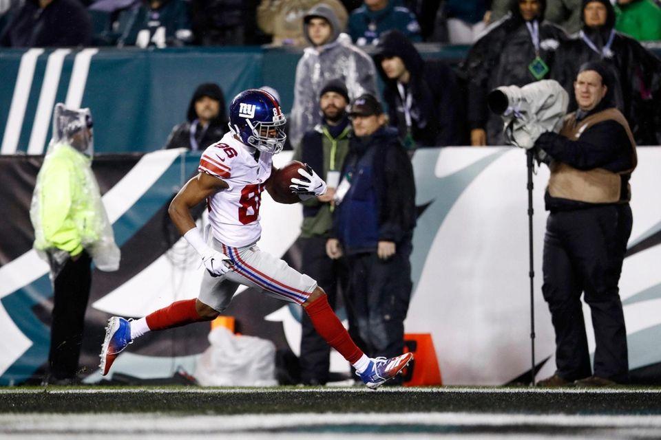 The Giants' Darius Slayton scores a touchdown during
