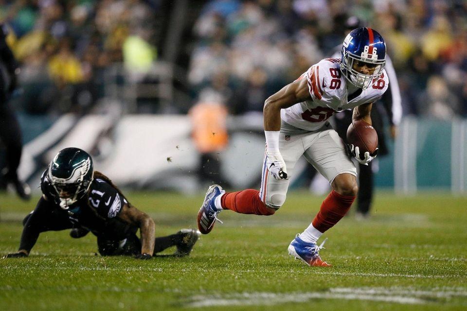 The Giants' Darius Slayton breaks free from Philadelphia