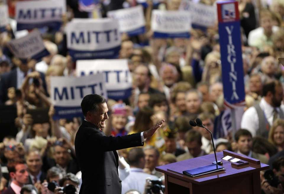 Republican presidential nominee Mitt Romney acknowledges delegates before