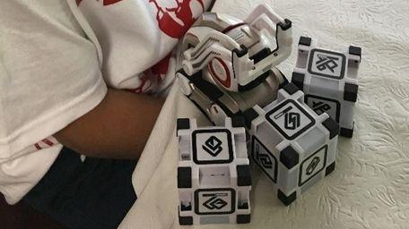 Kidsday reporter Kanin Michael's Cozmo Robot.
