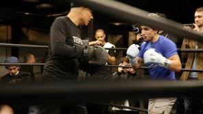 Undefeated Brooklyn lightweightTeófimo López,and unbeaten welterweight world champion