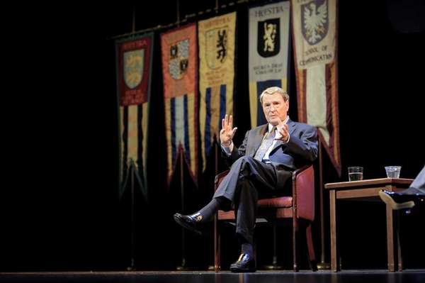 Jim Lehrer speaks to the incoming freshman at