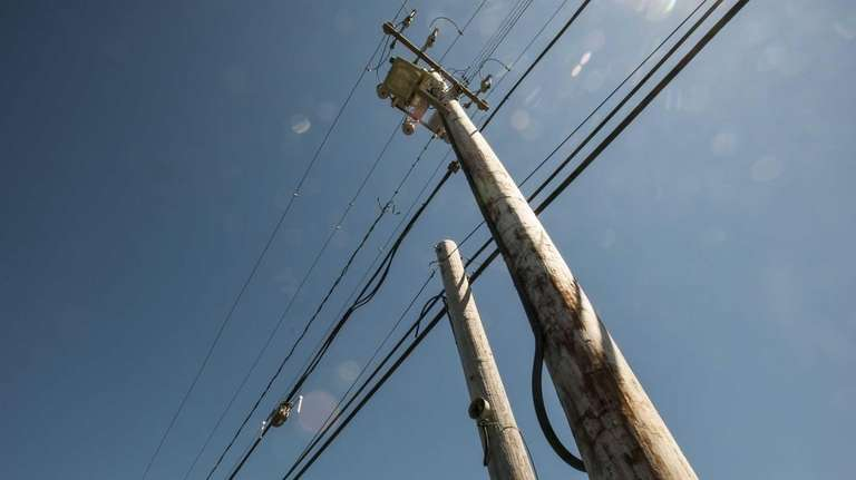Letter: Top 10 reasons to bury the wires | Newsday