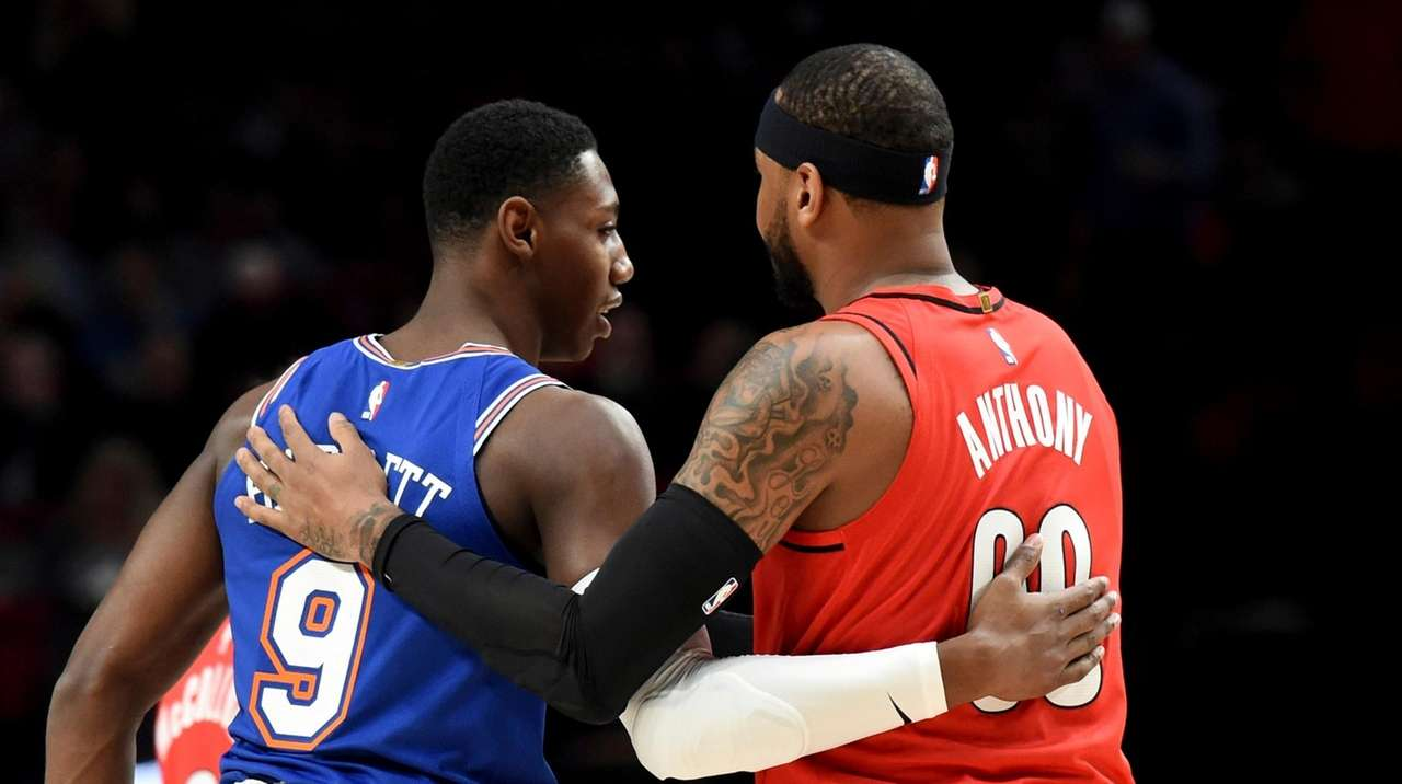 Melo helps Blazers roll over Knicks