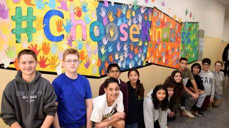 Hicksville Middle School students in Anthony Tussie's health
