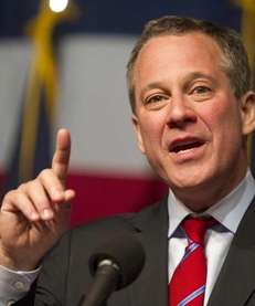 Attorney General Eric Schneiderman helped settle a statewide
