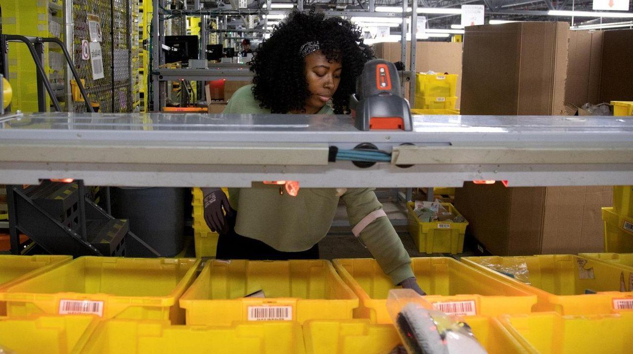 "Nytasha Braddy, a ""stower"" at the Amazon fulfillment"