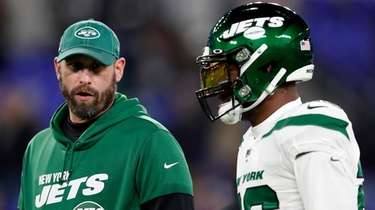 Jets head coach Adam Gase and running back