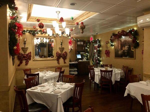 Long Island Restaurants Decorated For Christmas Newsday