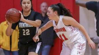 Brentwood's Josselyn Herrera #22 looks to pass while