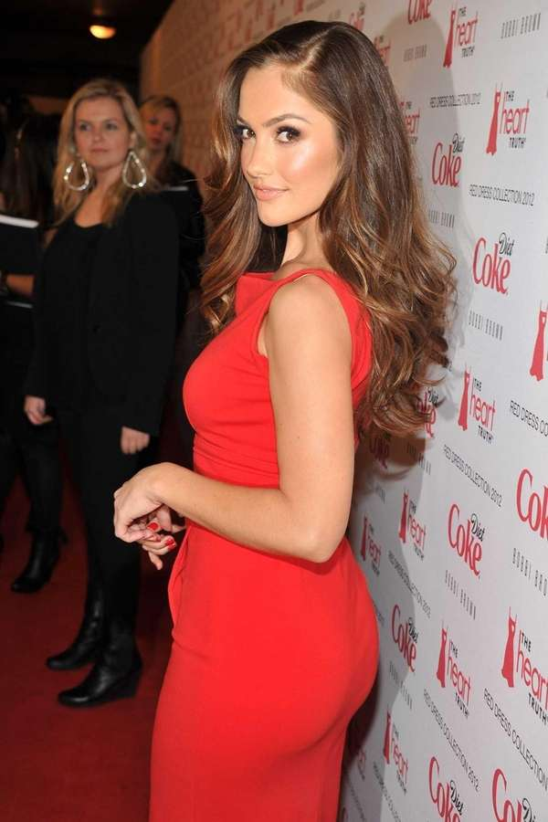 Minka Kelly attends the Heart Truth's Red Dress
