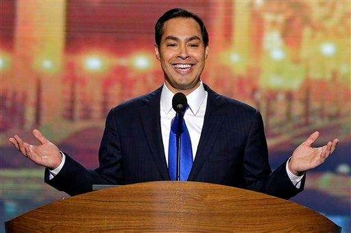 San Antonio Mayor Julian Castro walks on stage