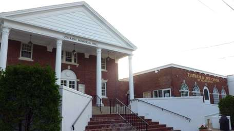 Southampton Cultural Center, 25 Pond Lane, Southampton: Concerts