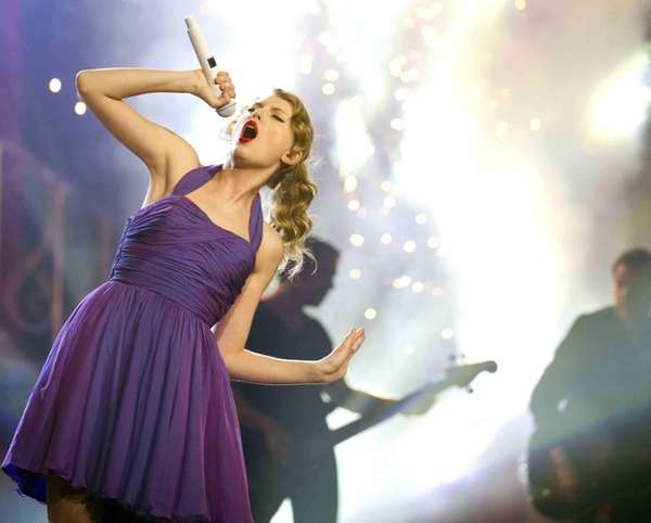 Taylor Swift performs at Madison Square Garden. (Nov.