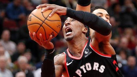 Toronto Raptors' Rondae Hollis-Jefferson drives to the basket