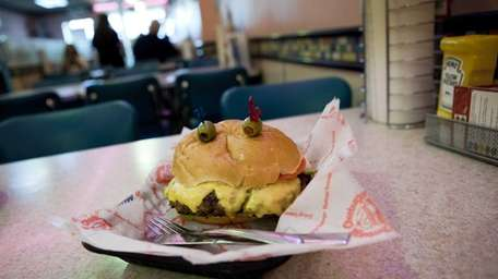 A one-pound burger served at the Cheeburger Cheeburger