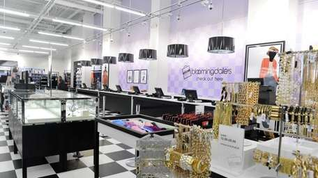 A Bloomingdale's Outlet opens Thursday in The Gallery
