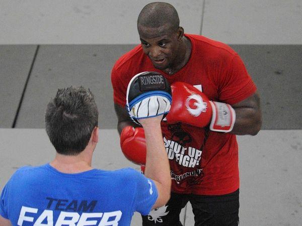 MMA light heavyweight Eddie Gordon, of Freeport, trains