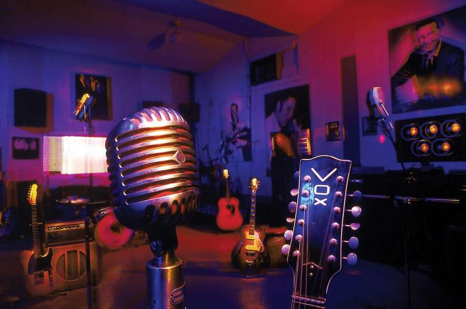 Rock pioneer Sam Philips turned Sun Studio --