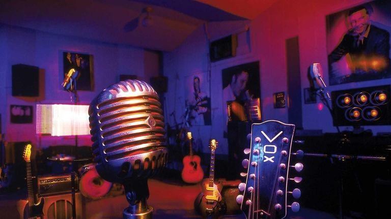 Rock pioneer Sam Philips turned Sun Studio --