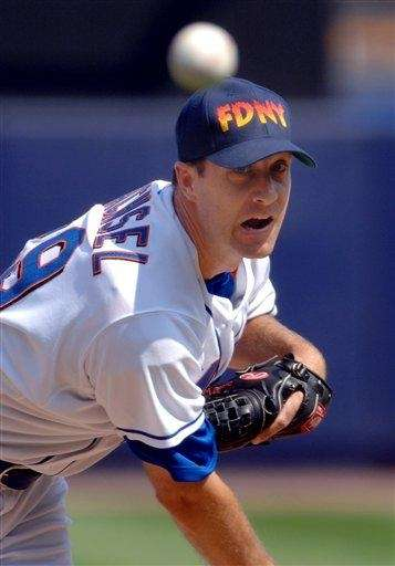 Then-Mets pitcher Steve Trachsel wears a cap from