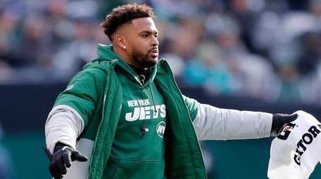Jamal Adams of the New York Jets cheers