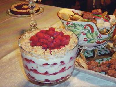 The 2006 dessert table with offerings by Charlie