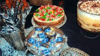 Assorted offerings at the 2006 annual Christmas Eve