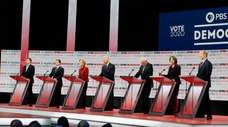 Democratic presidential candidates from left, entrepreneur Andrew Yang,