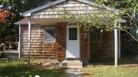 This Hampton Bays cottage is on sale for