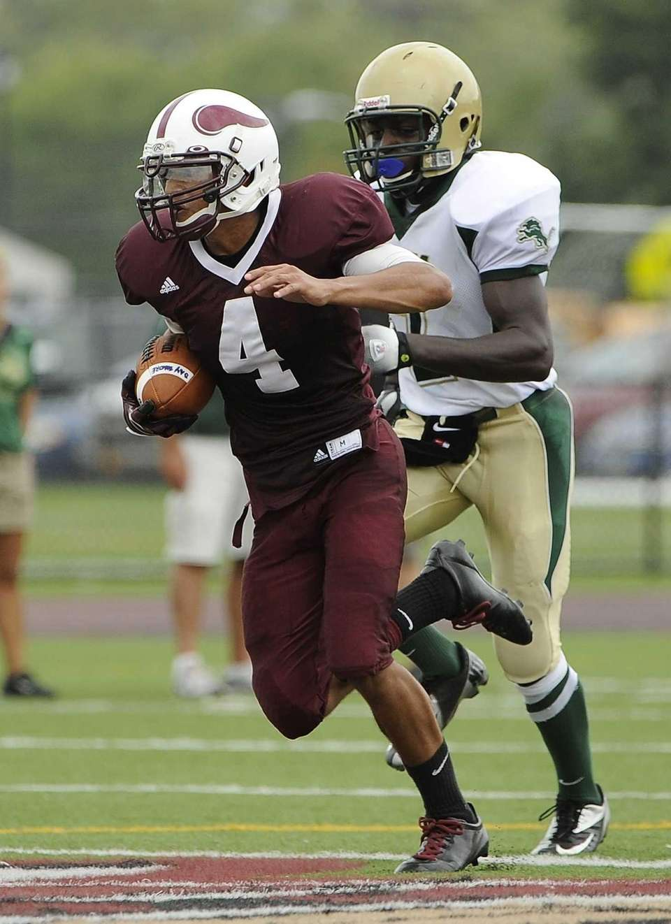Bay Shore's Joel Nunez runs the ball against