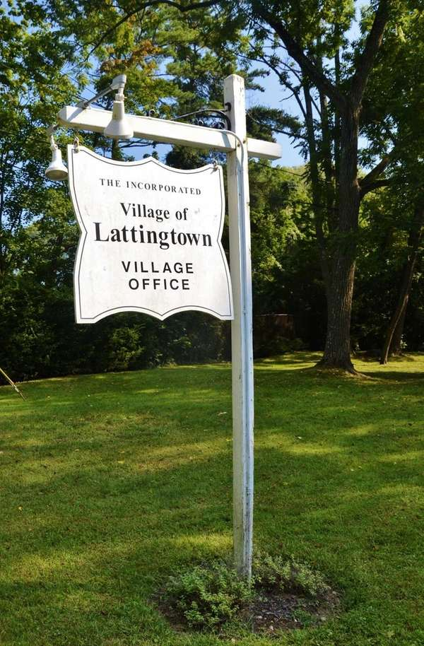 In the 2010 census, the village of Lattingtown