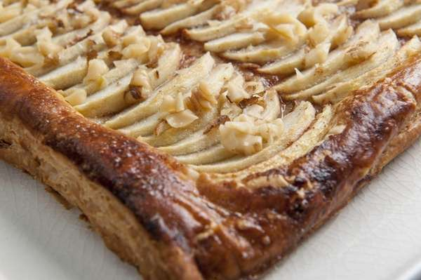 A tart of apples, walnut, honey and puff