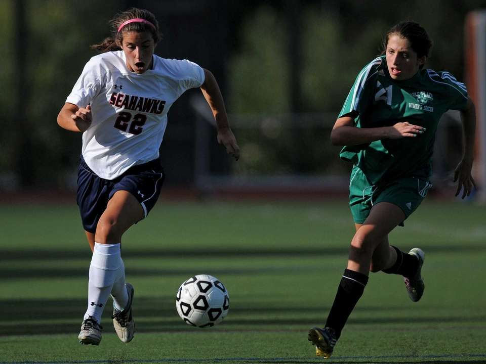 Cold Spring Harbor High School junior #22 Teressa