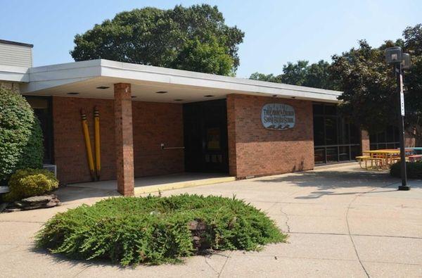 Laddie Decker Sound Beach School, at 197 N.