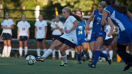 South Side's Christina Klaum passes to a teamate